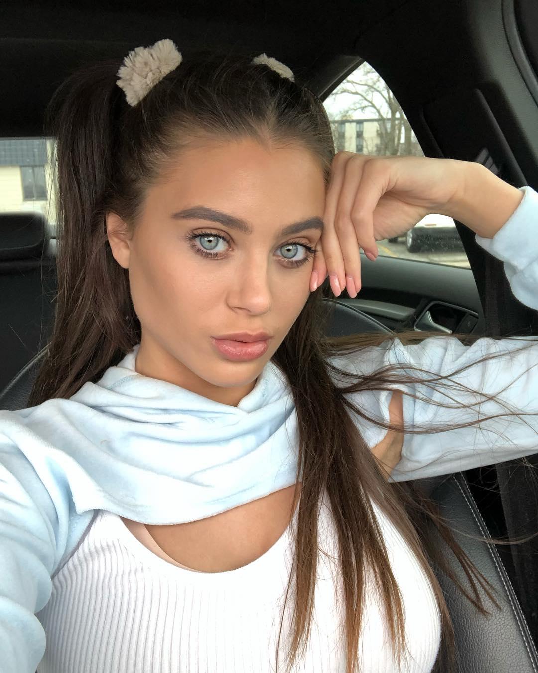 Lana rhoades selfies